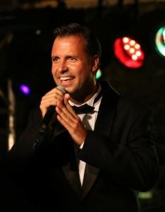 Nagy Balázs a budapesti Madách, továbbá a Győri Nemzeti Színház társulatának tagja, a Jóban, rosszban tévésorozat Misije